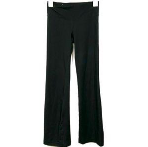 Under Armour black yoga pants